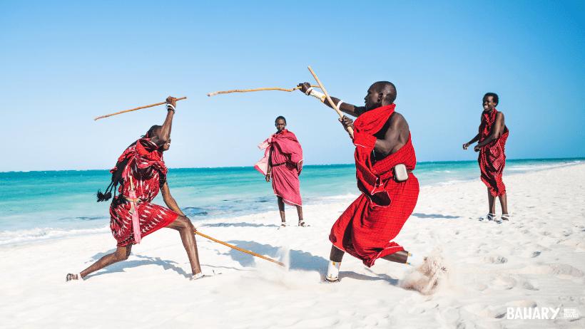 Masais en las playas de Zanzibar