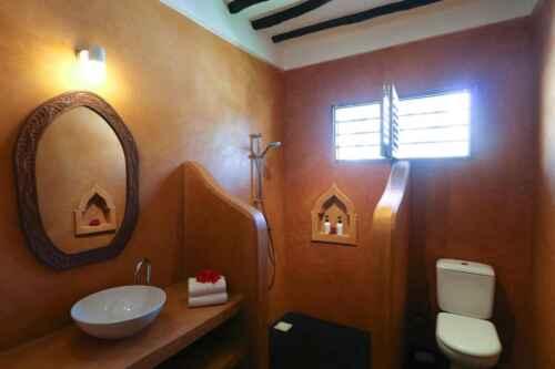 Hotel Jambiani baño