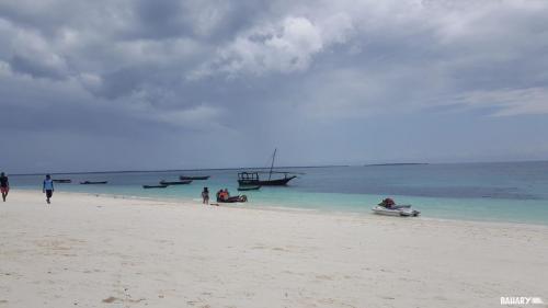kendwa-beach-zanzibar-5
