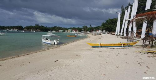 logon-beach-malapascua-1