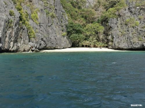 matinloc-beach-filipinas-el-nido-1