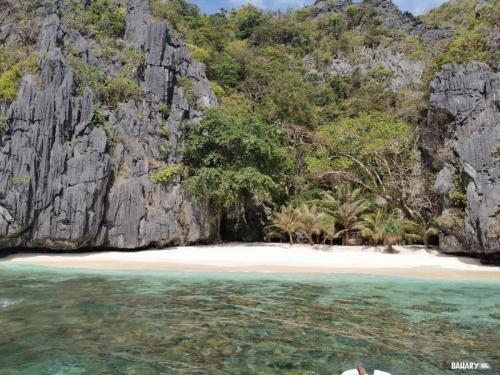 matinloc-beach-filipinas-el-nido-2