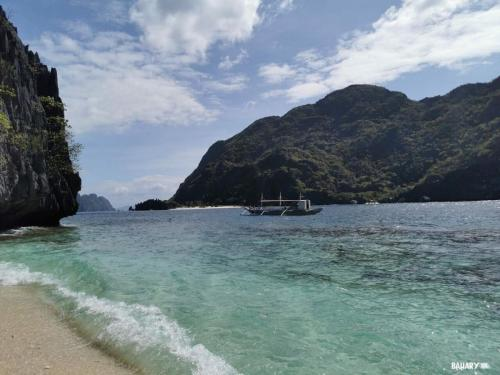 matinloc-beach-filipinas-el-nido-3