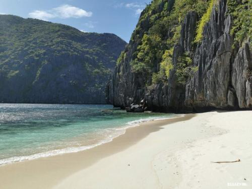 matinloc-beach-filipinas-el-nido-4