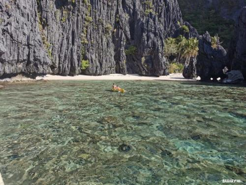 shimizu-beach-and-lagoon-filipinas-el-nido-1
