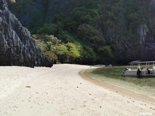 shimizu-beach-and-lagoon-filipinas-el-nido-5