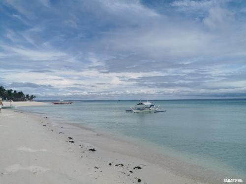 sugar-beach-bantayan-2